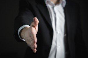 handshake-2056023_1280